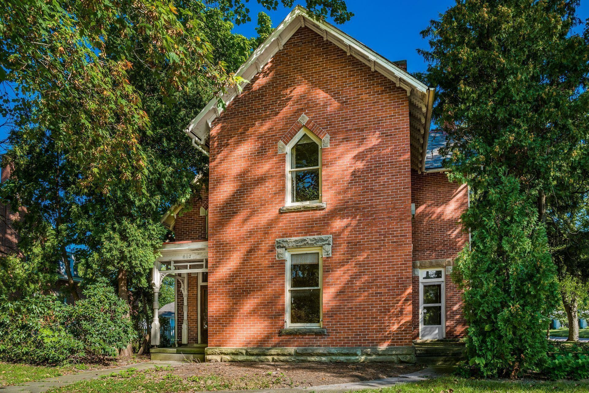 Stately 4-Bedroom House In Ashley