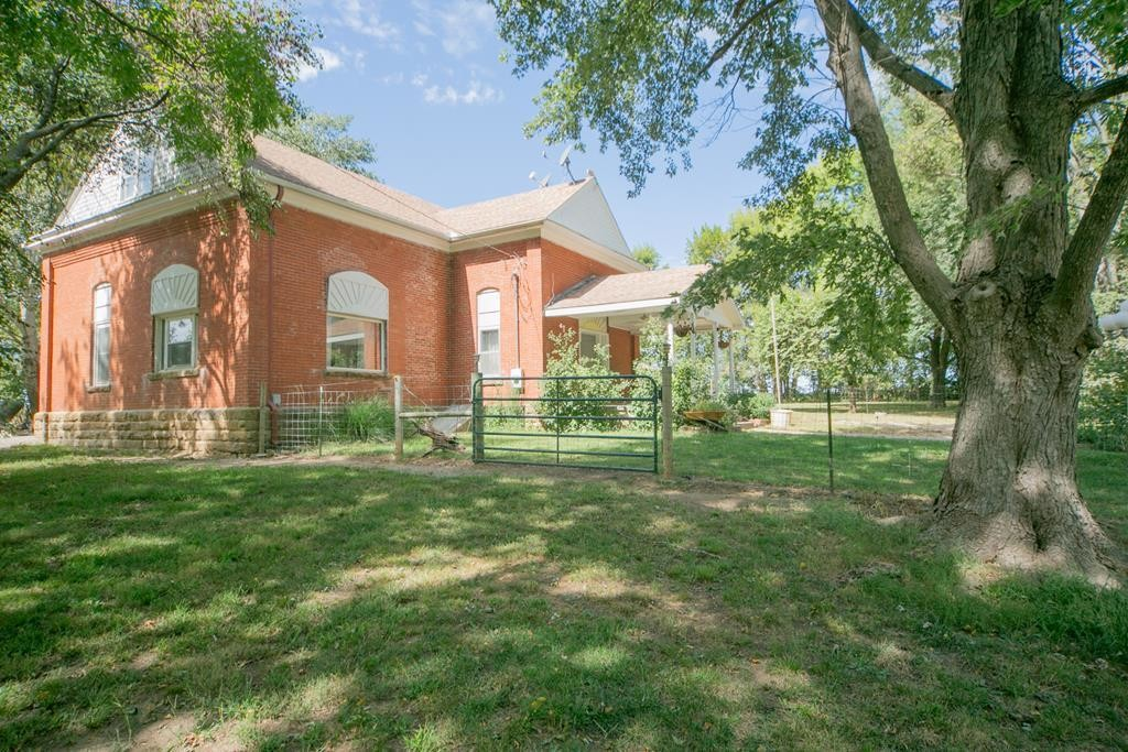 Renovated 3-Bedroom House In Independence