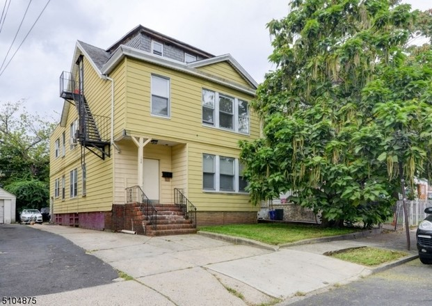 Multi-Family Home In Weequahic