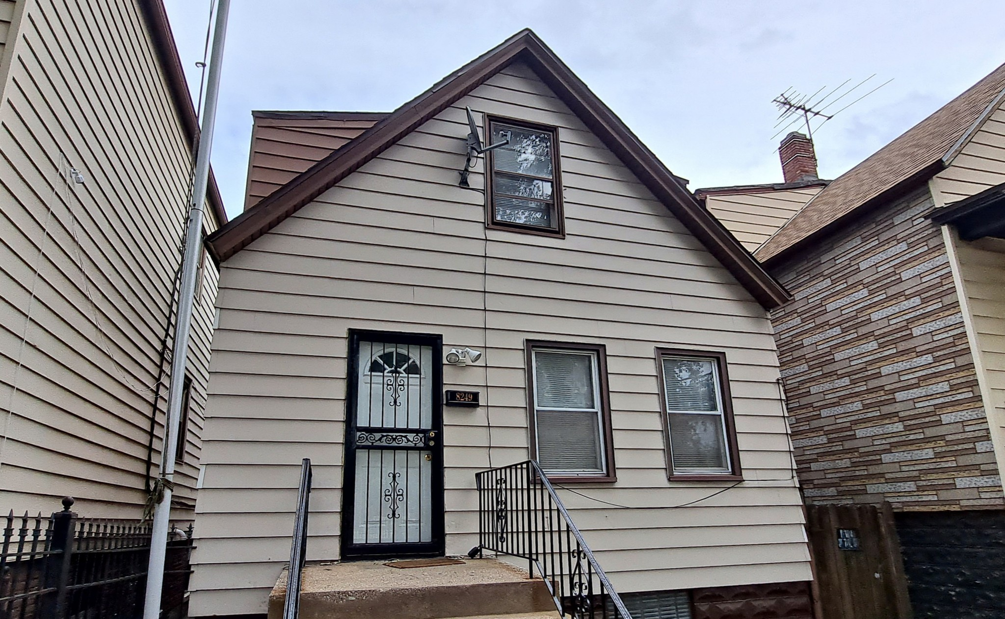 3-Bedroom House In South Chicago