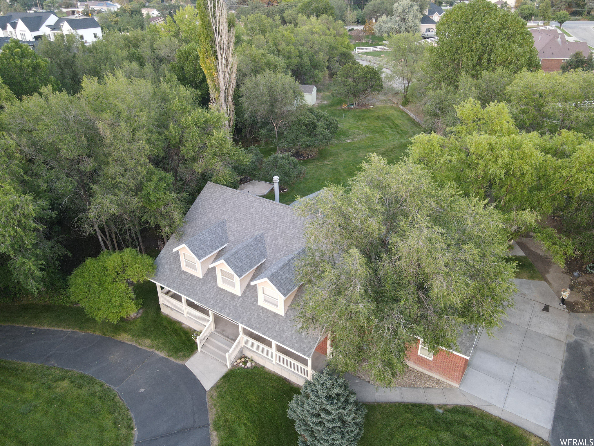 5-Bedroom House In Corner Canyon