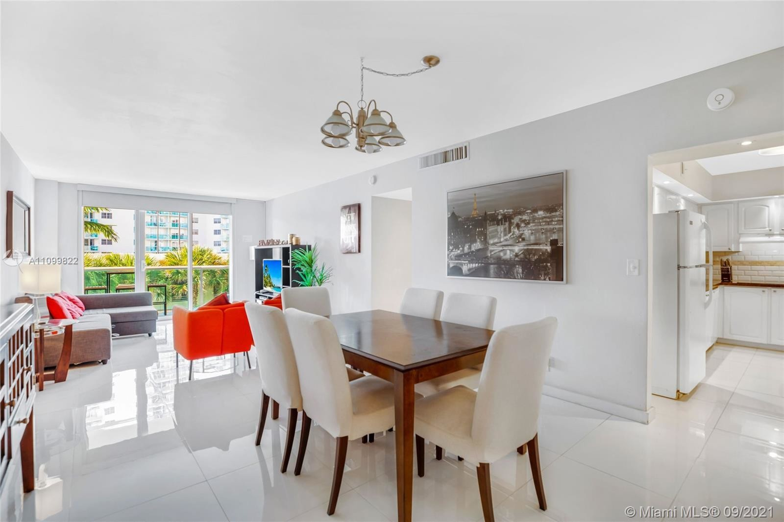 Remodeled 1-Bedroom Condo In South Central Beach