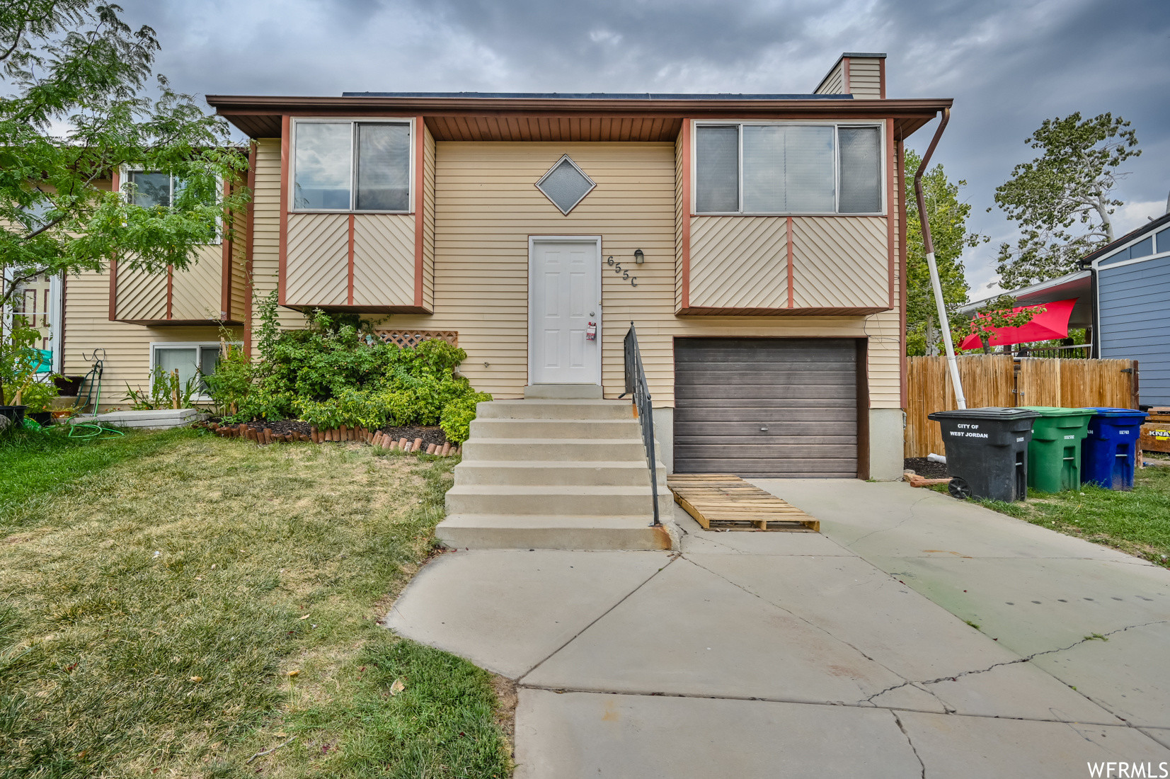 4-Bedroom House In Oquirrh Shadows
