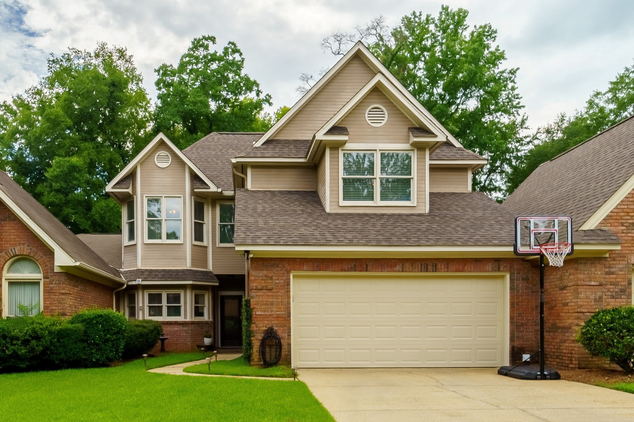 2568 SqFt House In Park Place