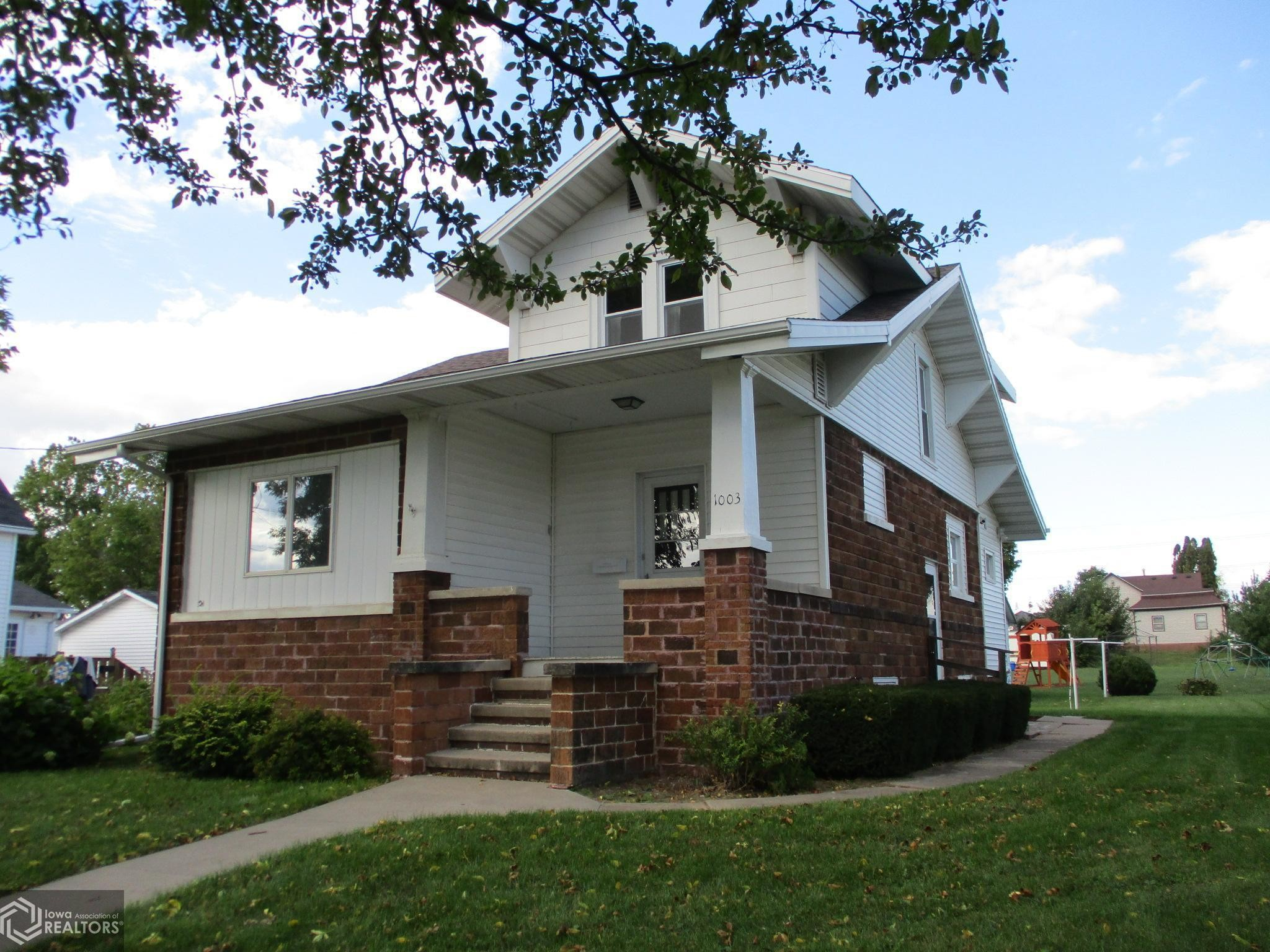 Updated 3-Bedroom House In Dysart