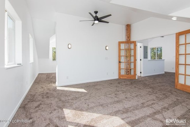 Refinished 4-Bedroom House In Willow