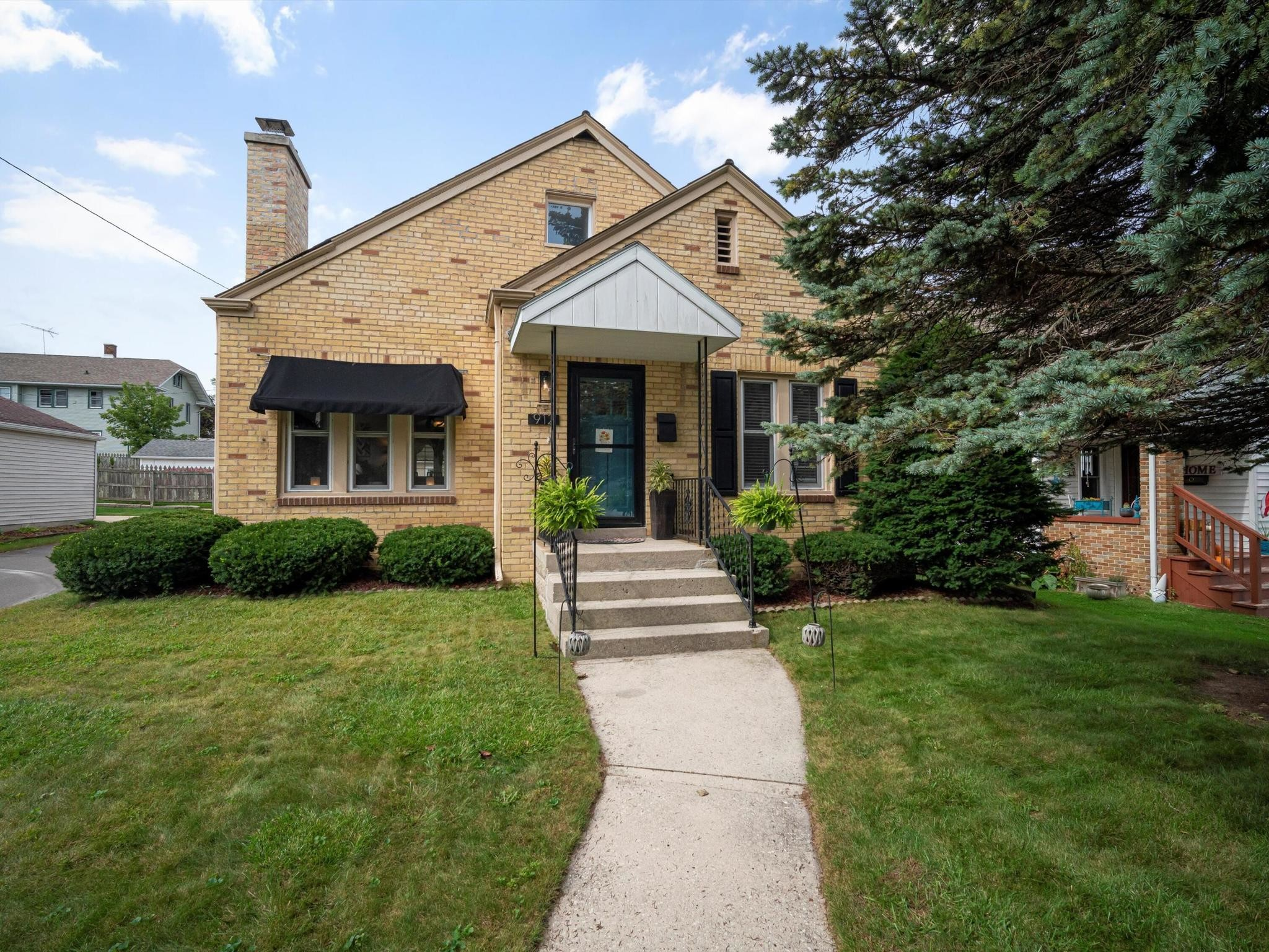 Renovated 3-Bedroom House In Lawndale