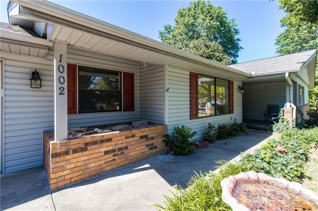2112 SqFt House In Hillcrest