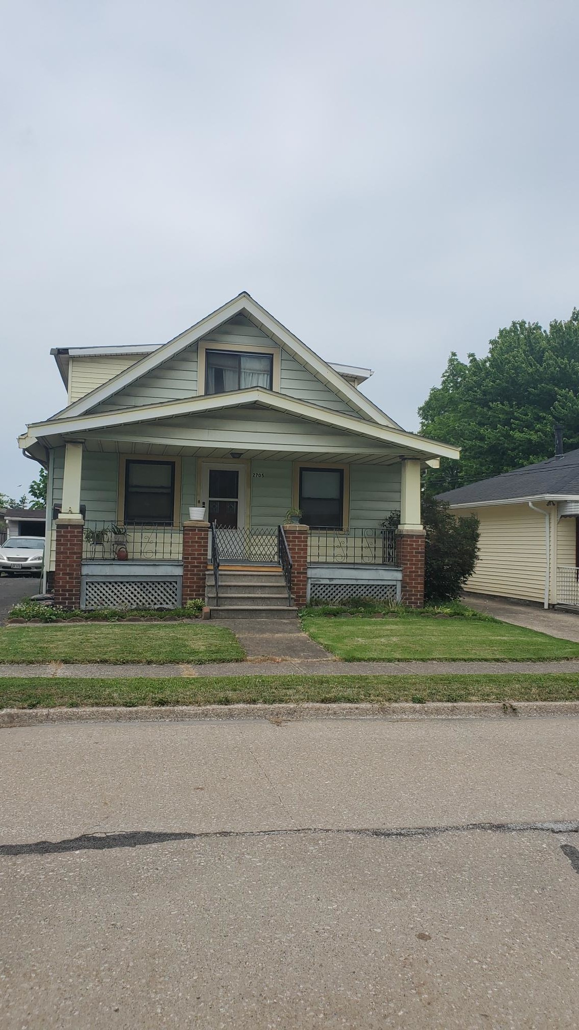 4-Bedroom House In South Broadway