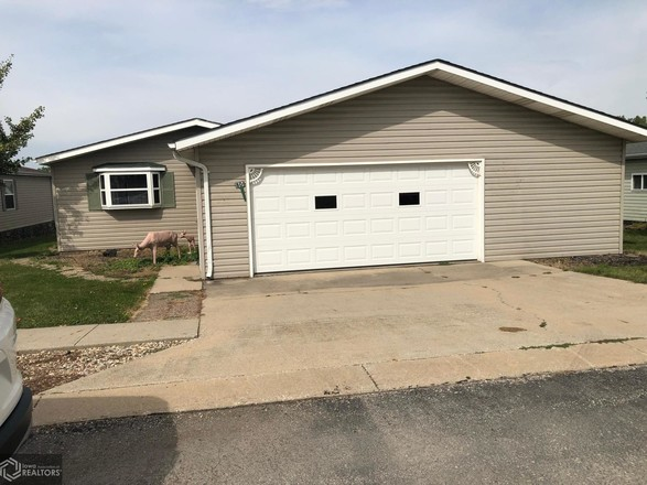 2-Bedroom House In Country Court Mobile Home Park