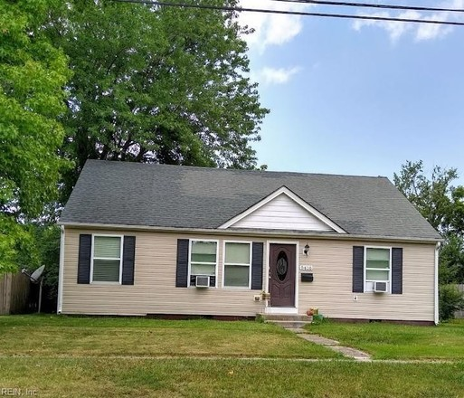 1492 SqFt House In Foxhall
