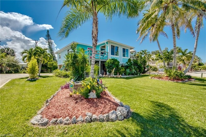 1236 SqFt House In Fort Myers Beach