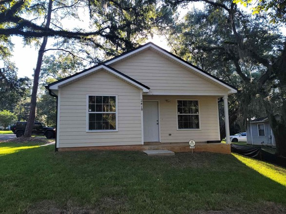 1158 SqFt House In South City