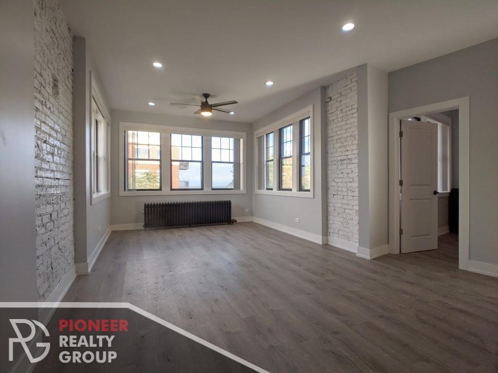3-Bedroom House In East Rogers Park