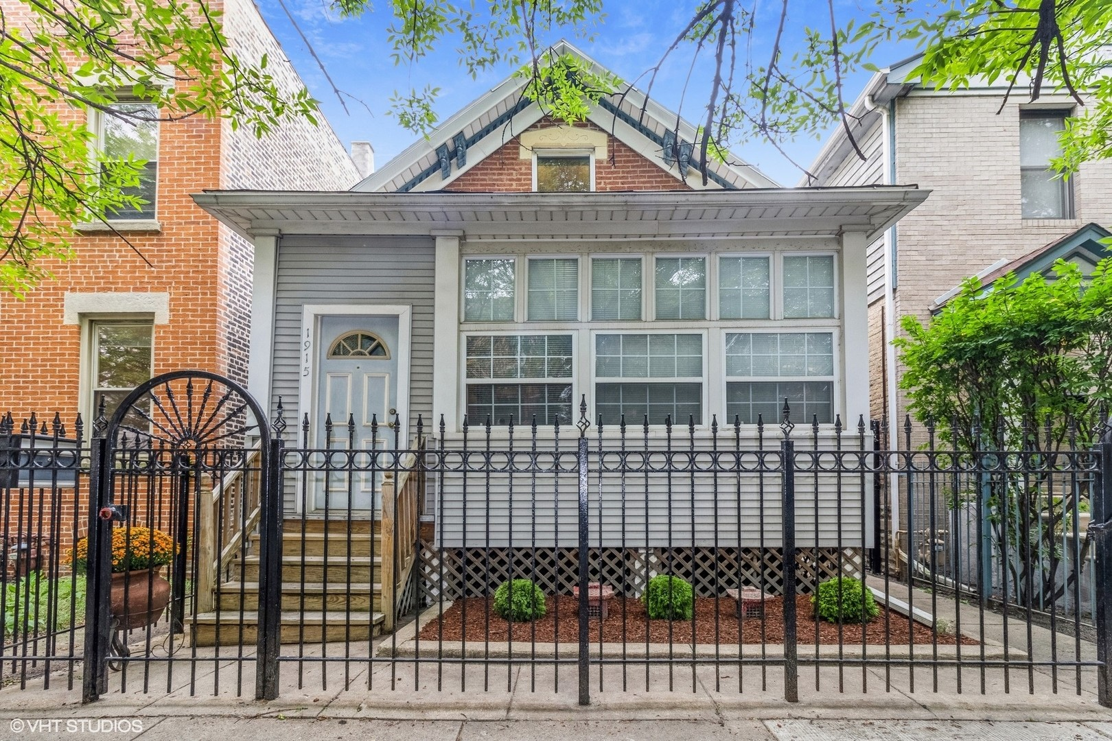 1092 SqFt House In Lincoln Park