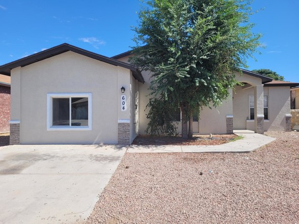 Remodeled 4-Bedroom House In Horizon City