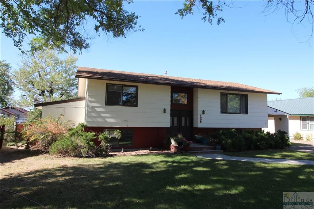 Updated 3-Bedroom House In Custer Park