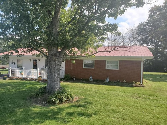 Upgraded 3-Bedroom House In Rolling Acres