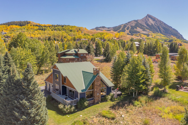 Renovated 3-Bedroom House In Chalet Village