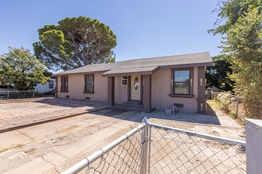 3-Bedroom House In Greenway Park