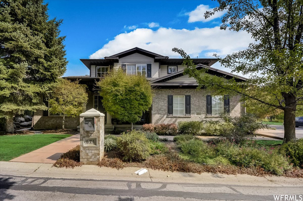 Updated 5-Bedroom House In The Avenues