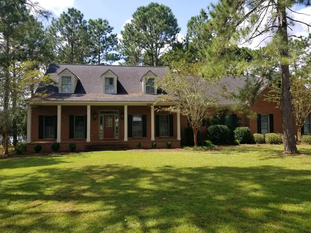 2-Story House In Tifton