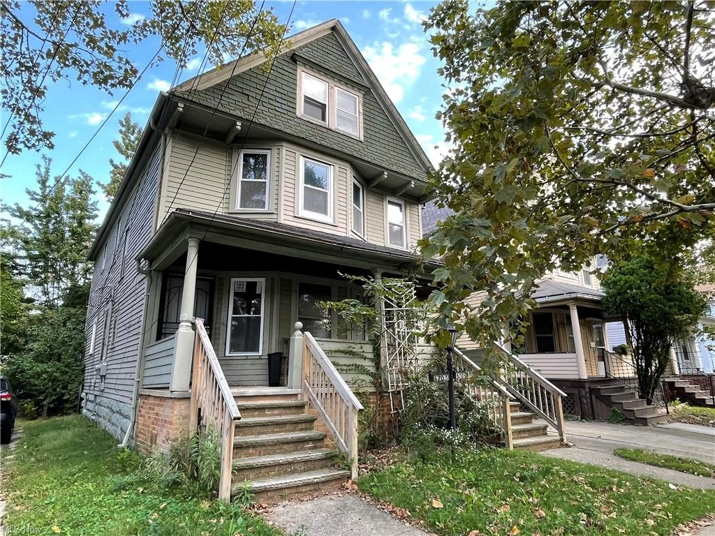 Multi-Family Home In St Clair Superior
