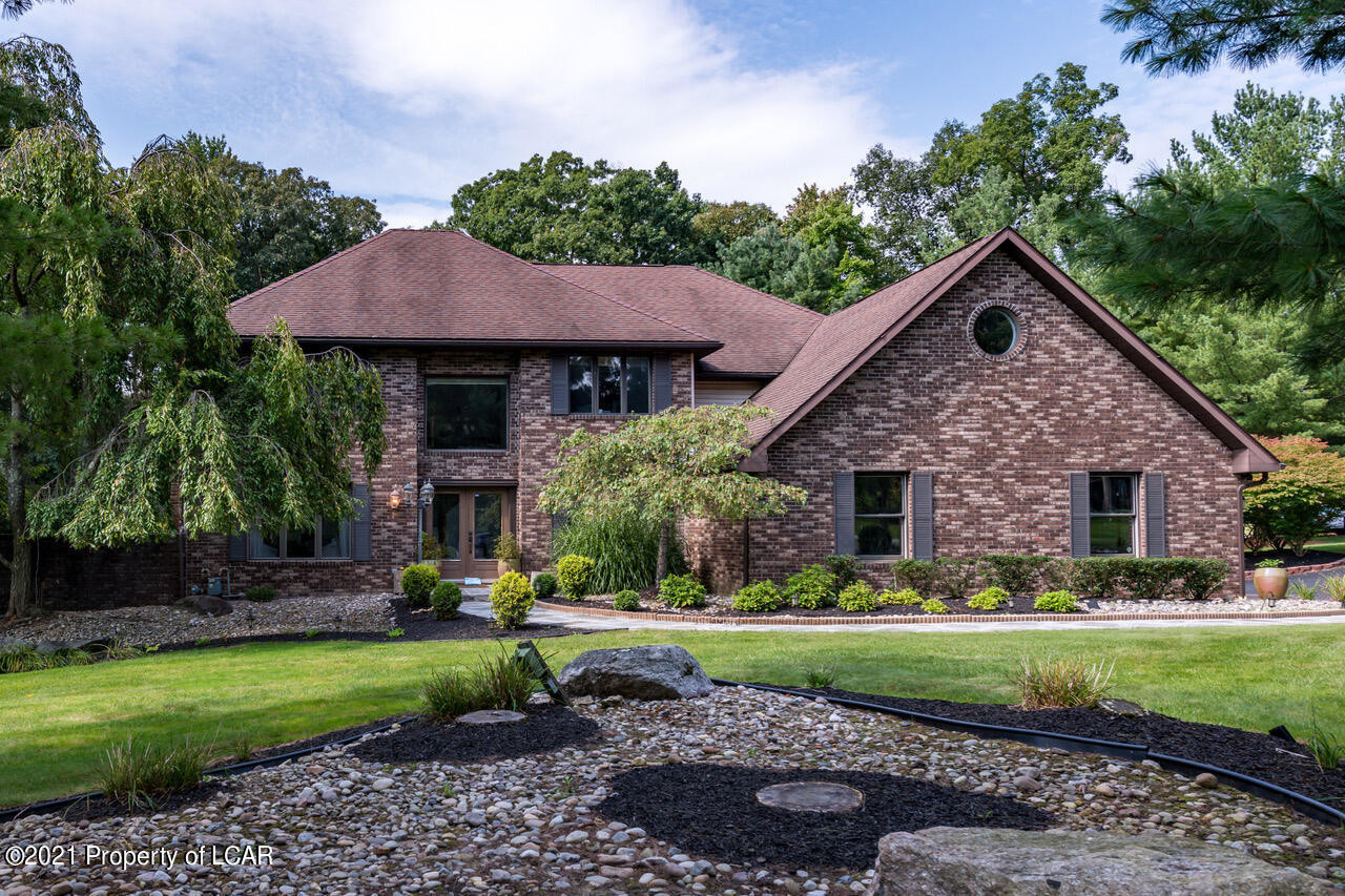 Remodeled 6-Bedroom House In Timberwood