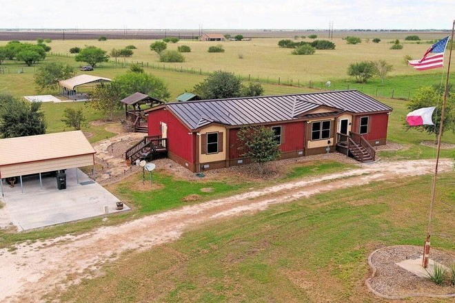 4-Bedroom Mobile Home In Robstown