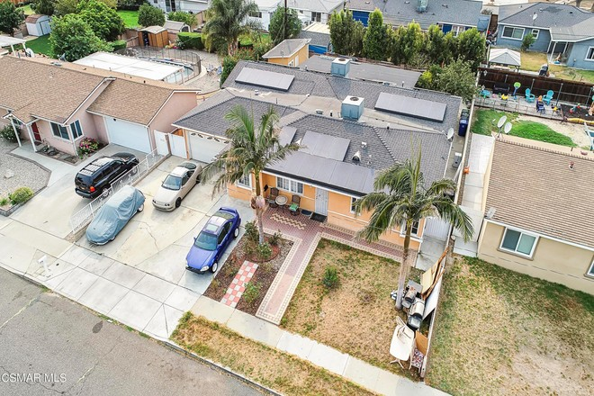 6-Bedroom House In Simi Valley Town Center
