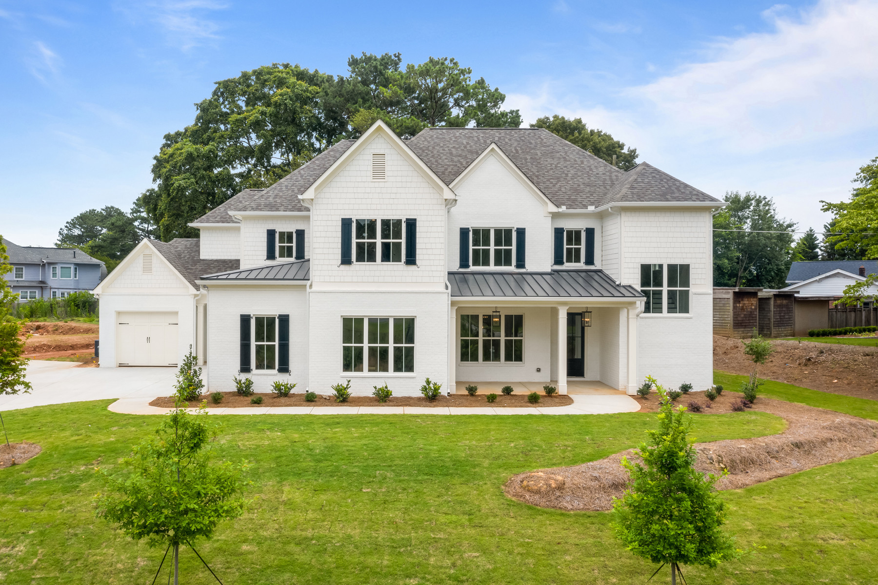 Luxurious 5-Bedroom House In Saddle Ridge Downs