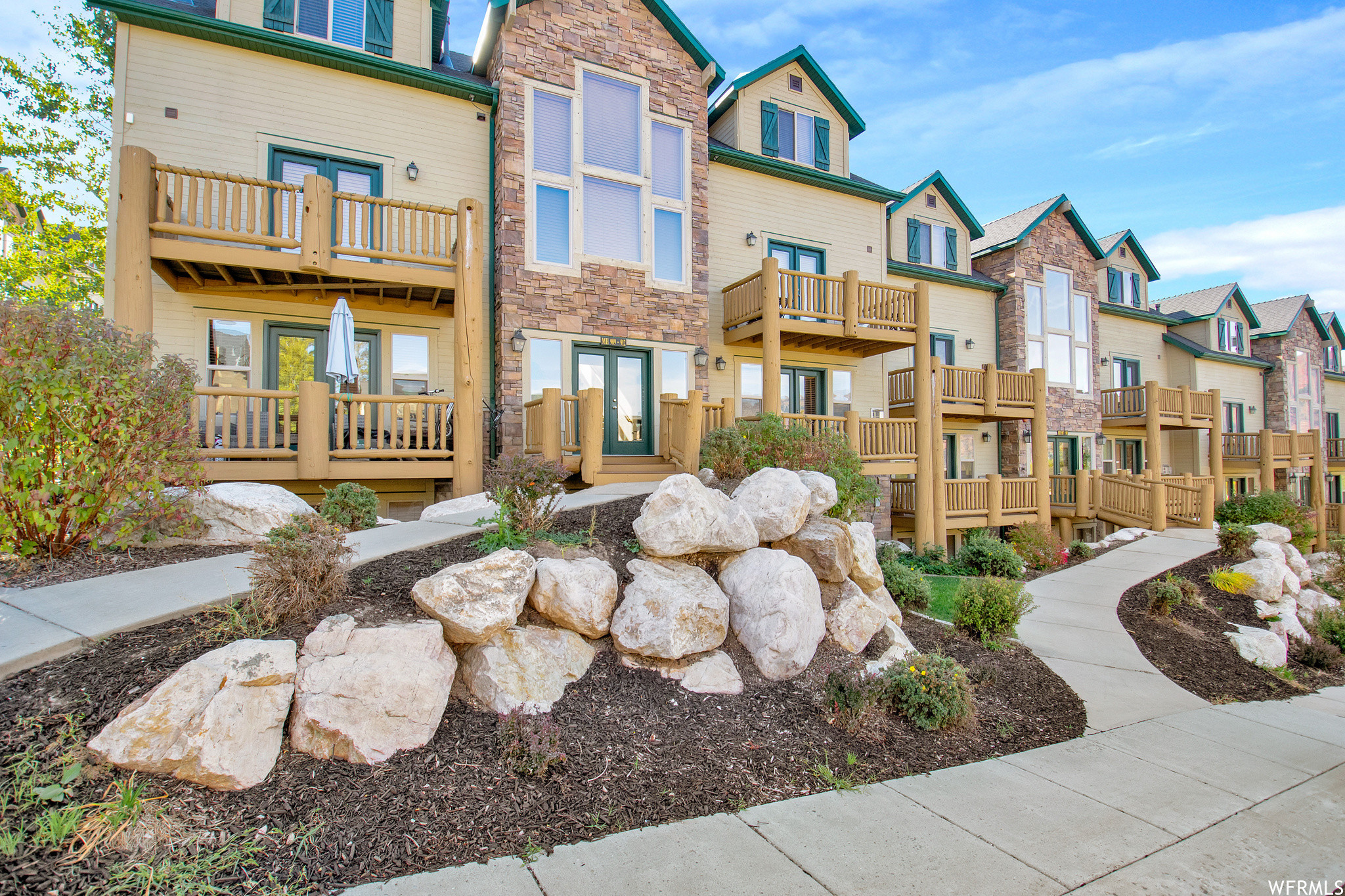 2-Story Condo In Wolf Creek
