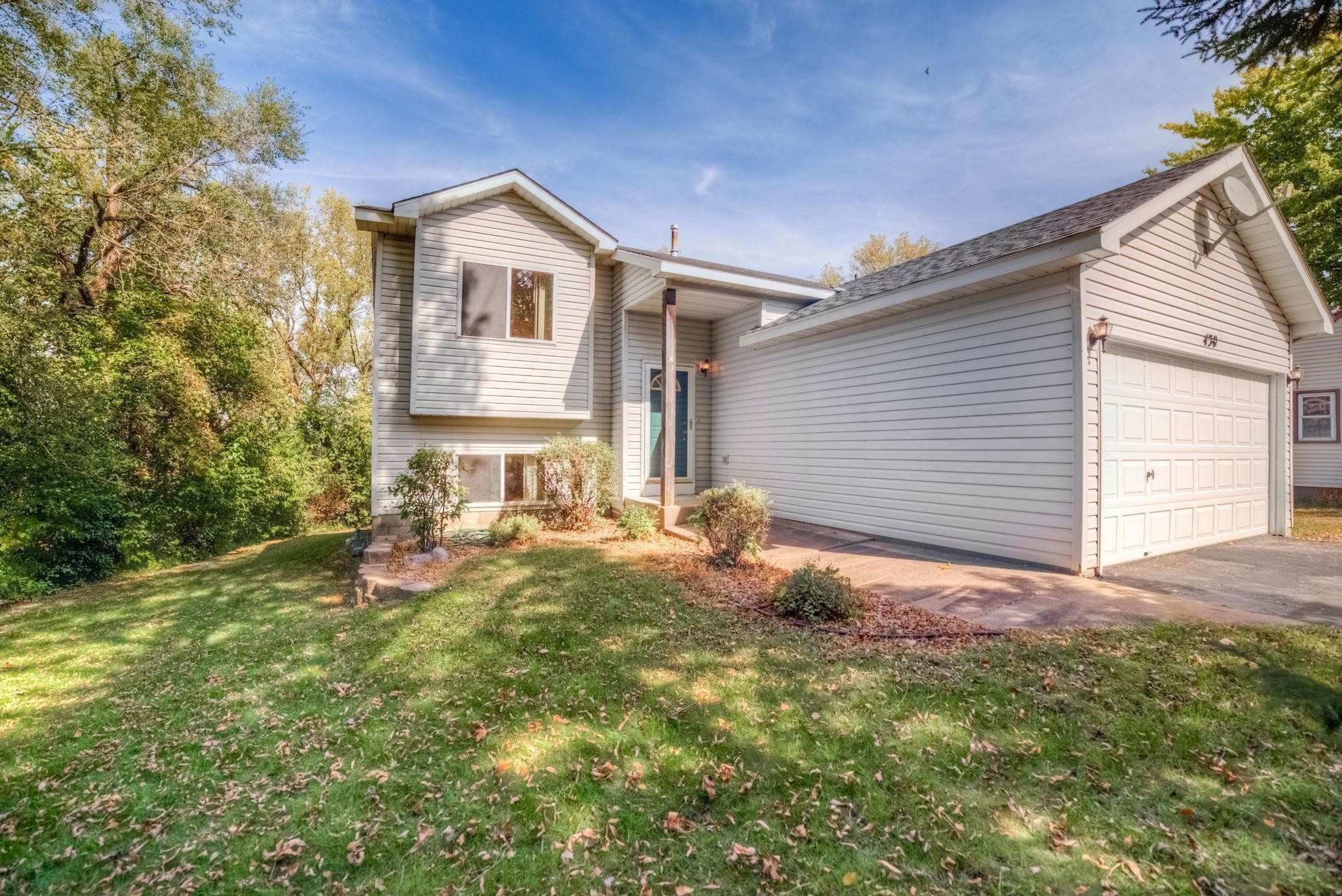 Updated 4-Bedroom House In Belle Plaine