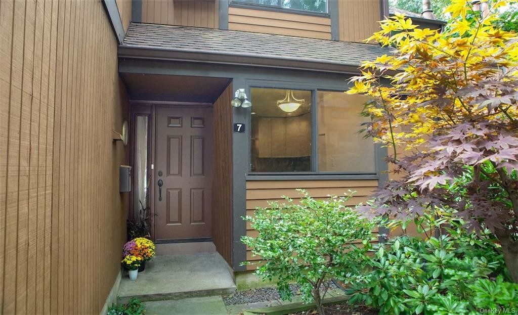 Renovated 2-Bedroom Townhouse In Dobbs Ferry