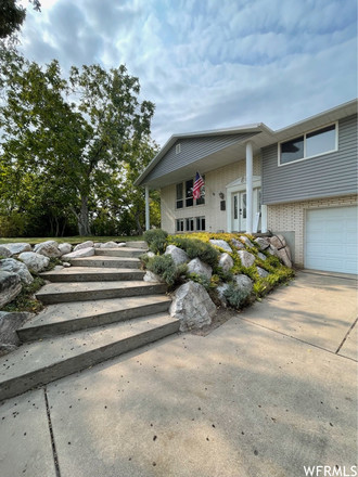 Updated 5-Bedroom House In King Clarion Hills