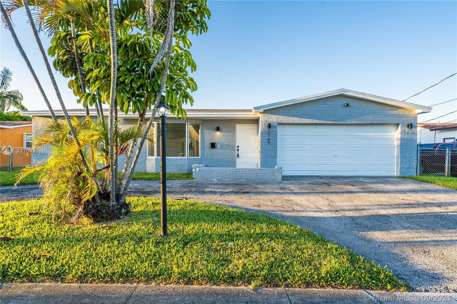 Updated 4-Bedroom House In Oriole Estates