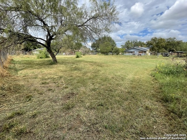 Lot In Lytle