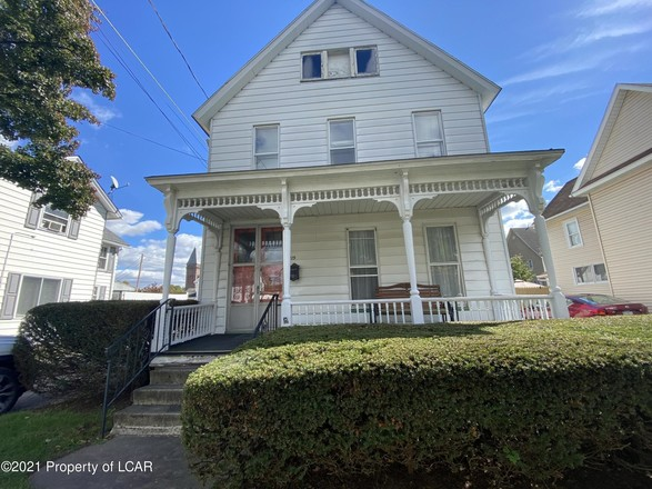 2-Story House In West Pittston