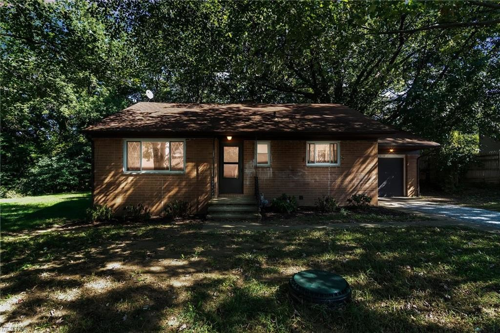 Updated 3-Bedroom House In Madison