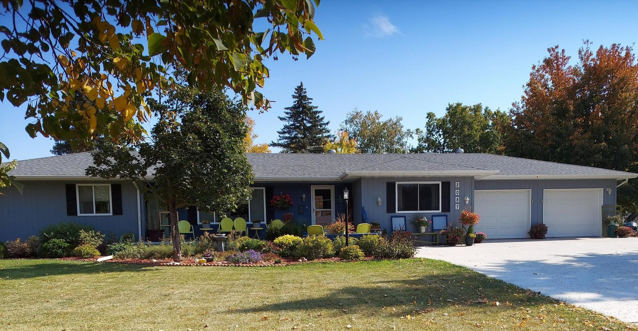 Updated 4-Bedroom House In Lake Park