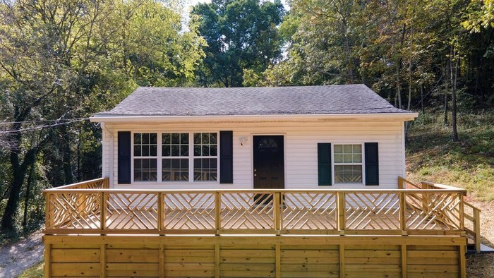 Updated 2-Bedroom House In Westview Mountain Shadows