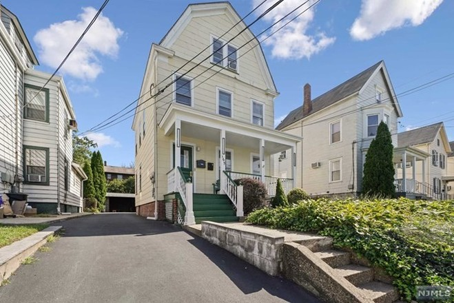 Multi-Family Home In Fairview