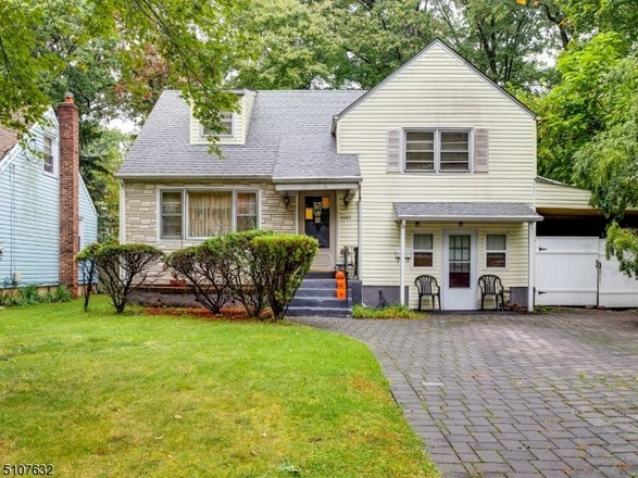 4-Bedroom House In Plainfield
