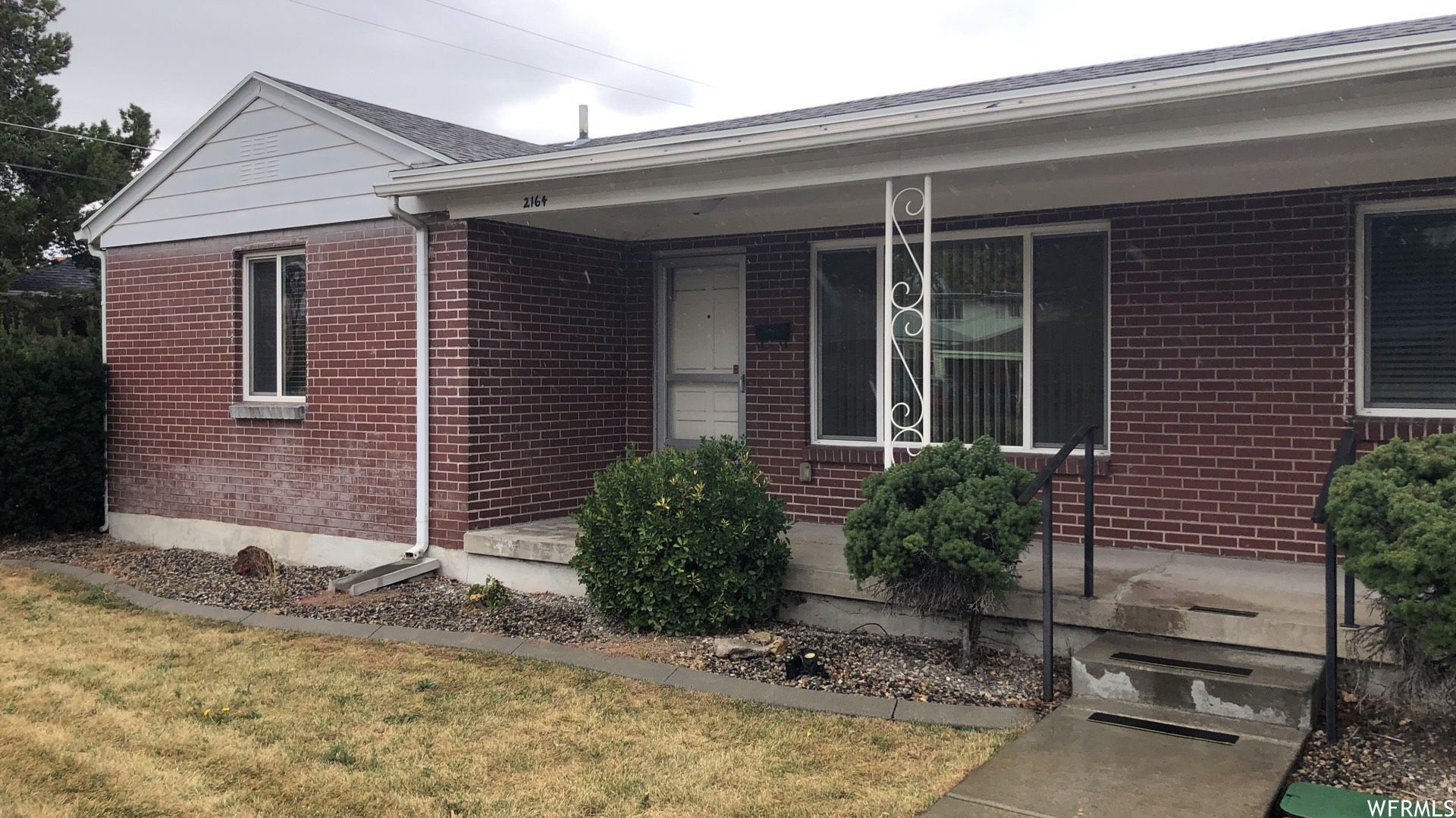 Updated 2-Bedroom House In South Salt Lake City