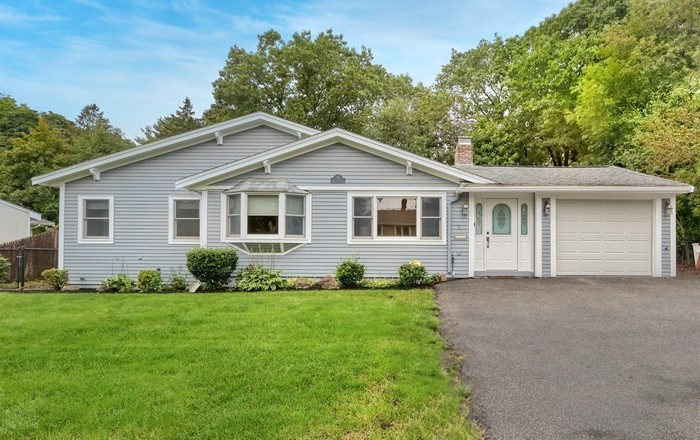 Renovated 3-Bedroom House In Westwood