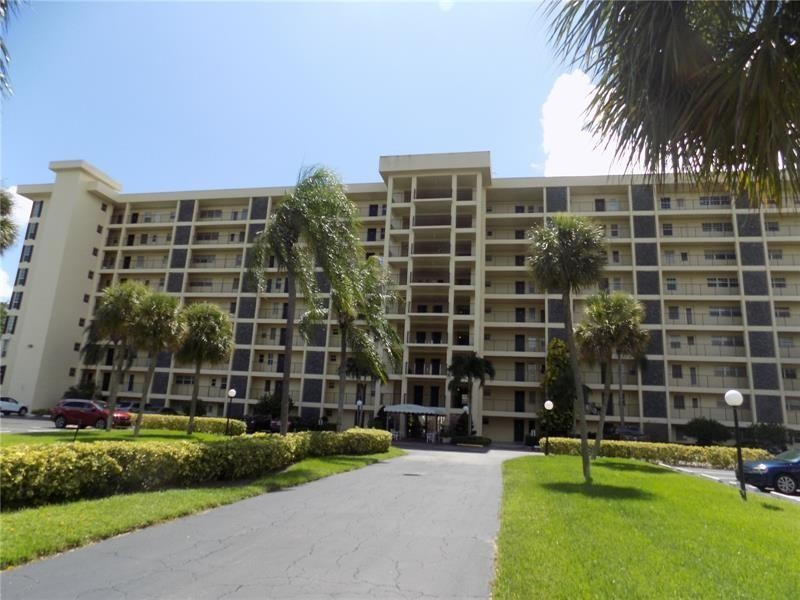 Remodeled 3-Bedroom Condo In Palm Aire