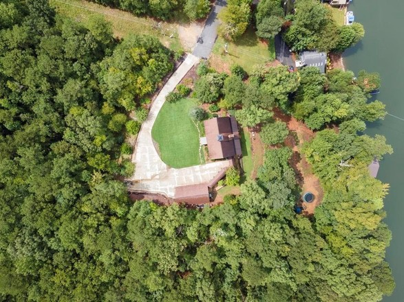 Reclaimed 4-Bedroom House In Fortson
