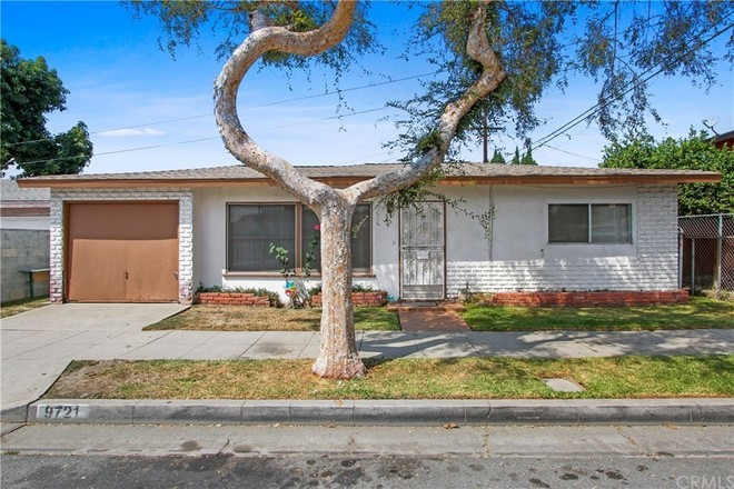 Updated 2-Bedroom House In South Gate