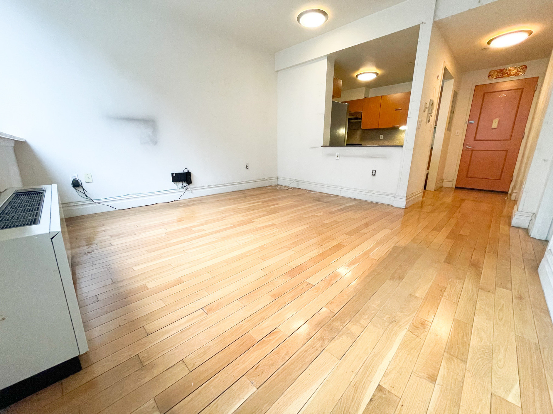 1-Bedroom House In Chinatown