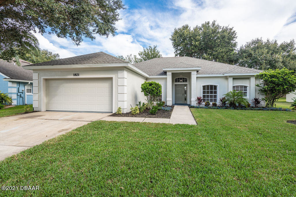 Updated 4-Bedroom House In Forest Lakes Preserve
